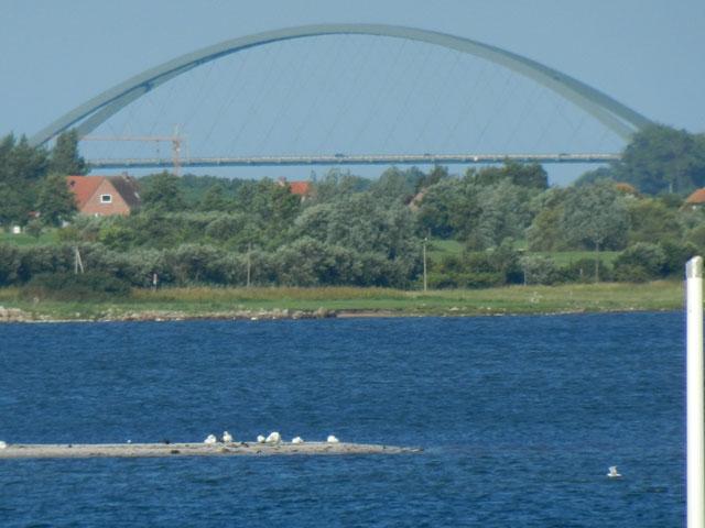 Blick auf die Fehmarnsundbrücke aus der Ferienwohnung Piccolo Seiss am Südstrand von Fehmarn
